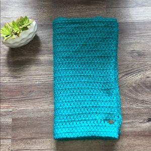 💙Good Condition Roxy Crochet Unity Scarf💙